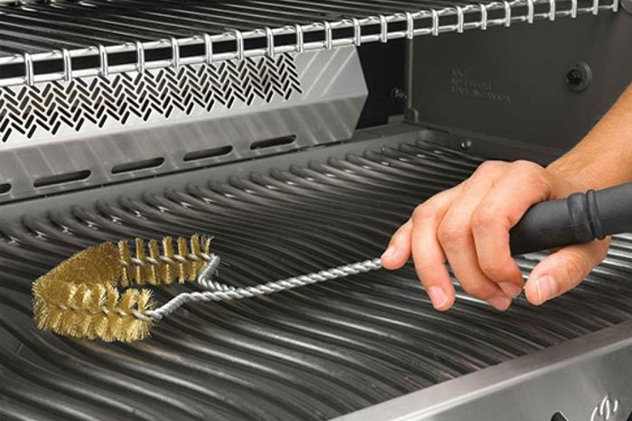 cleaning stainless steel grills
